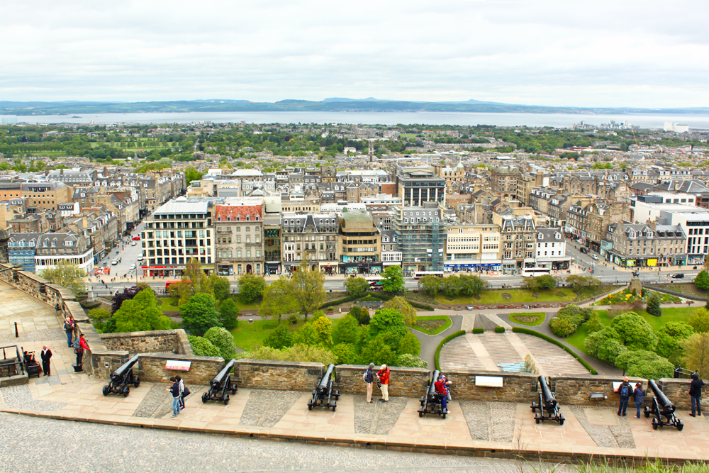 views-from-edinburgh-castle-scotland