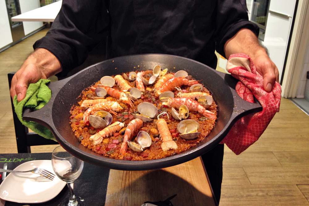 bcn-kitchen-barcelona-cooking-class-paella