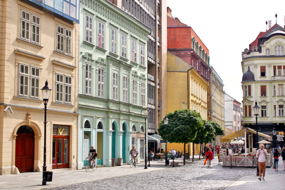 bratislava-pretty-buildings