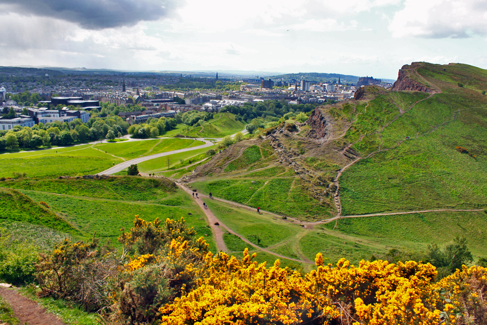 edinburgh-arthurs-seat-views-of-city