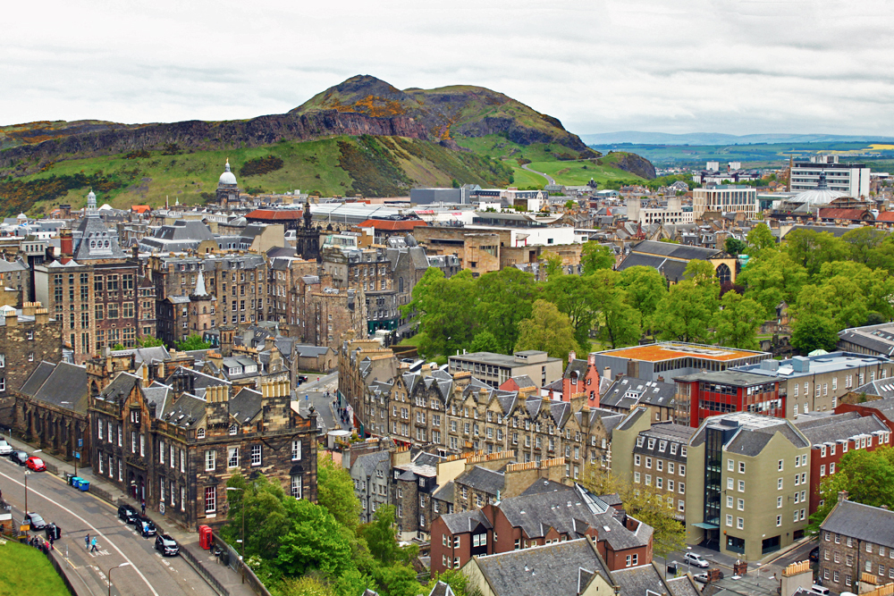 edinburgh-view-of-arthurs-seat-from-castle