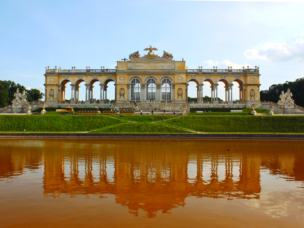gloriette-cafe-schonbrunn-palace-vienna