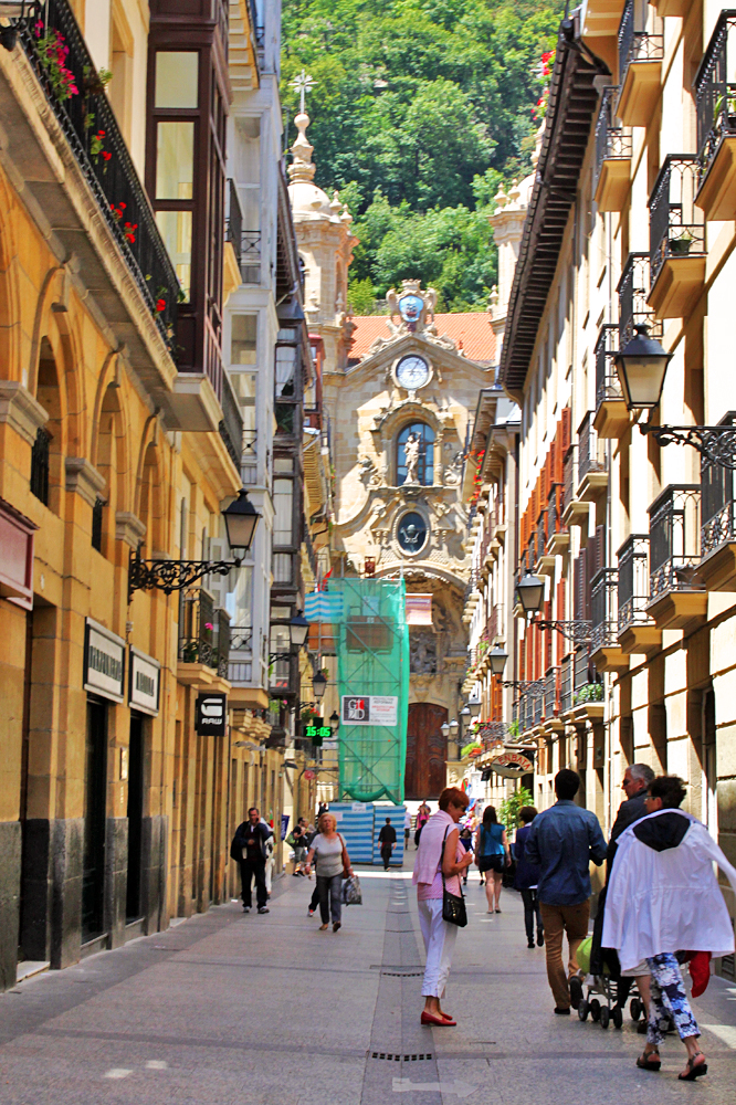 san-sebastian-old-quarter-places-to-see-spain
