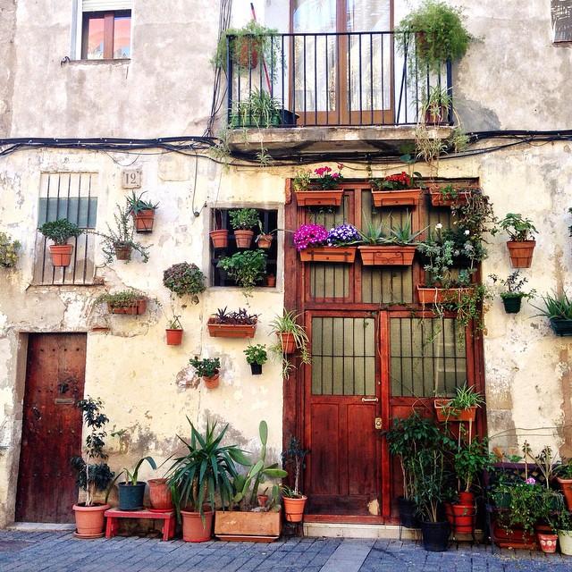 4-barcelona-pretty-door-born-district