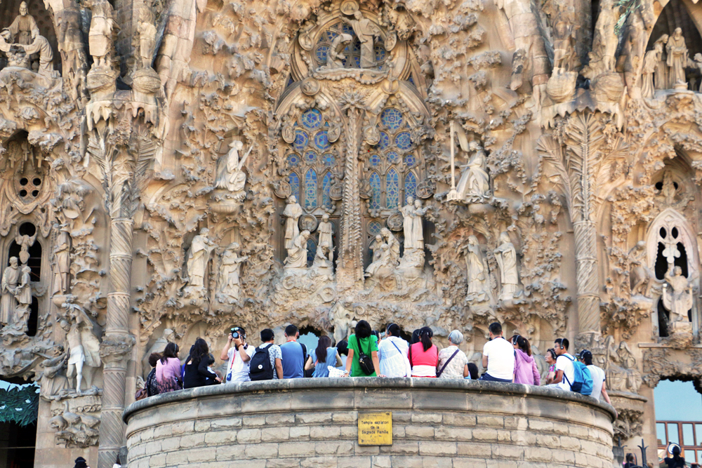 sagrada-familia-living-in-barcelona