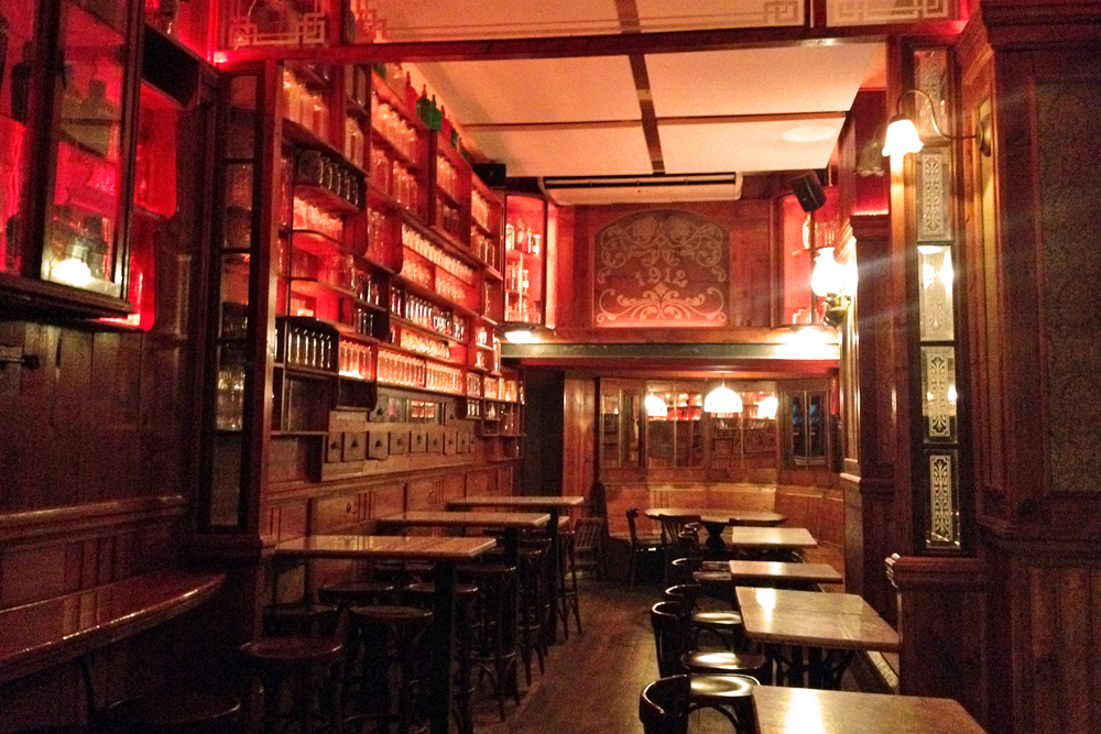 5 Fantastic Historic Bars in Barcelona | Barcelona Blonde