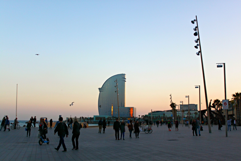 barcelona-beach-sunset